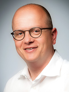 Dr. med. Jens Ringel Internist / Nephrologe / Hypertensiologe DHL / Lipidologe DGFF  Facharzt für Innere Medizin und Nephrologie Dialysezentrum Potsdam