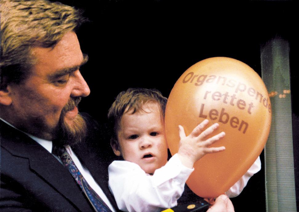 """Siegfried Bäumel beim ersten """"Tag der Organspende"""" im Jahre 1983"""